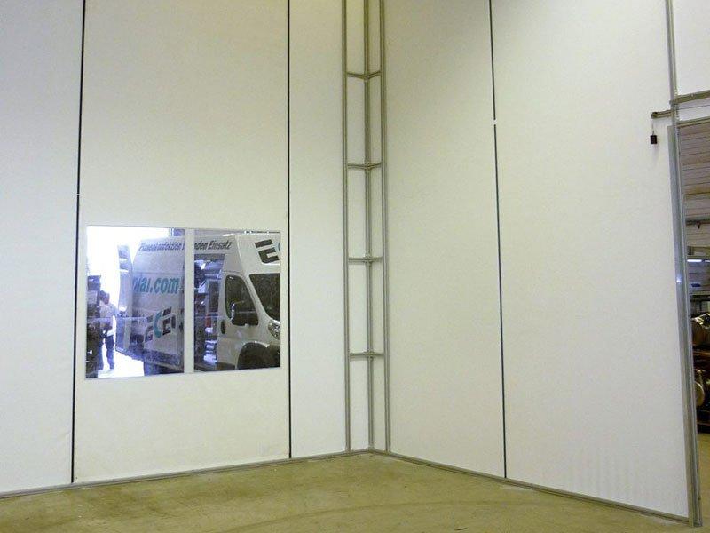 Textile Hallentrennwände, Industrievorhänge & Raumteiler